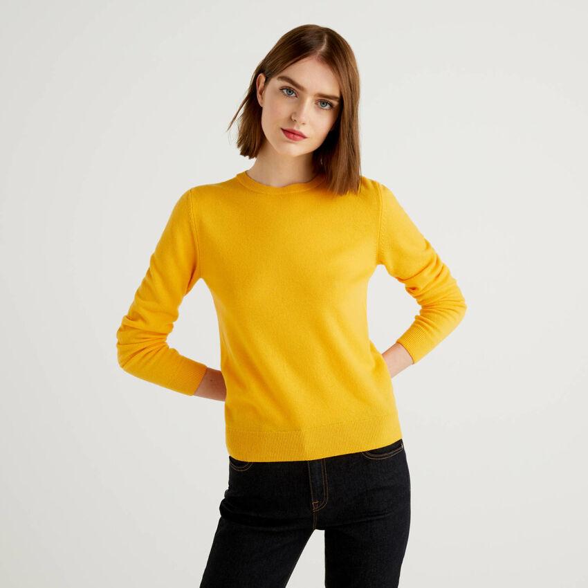 Pull col rond jaune en pure laine vierge