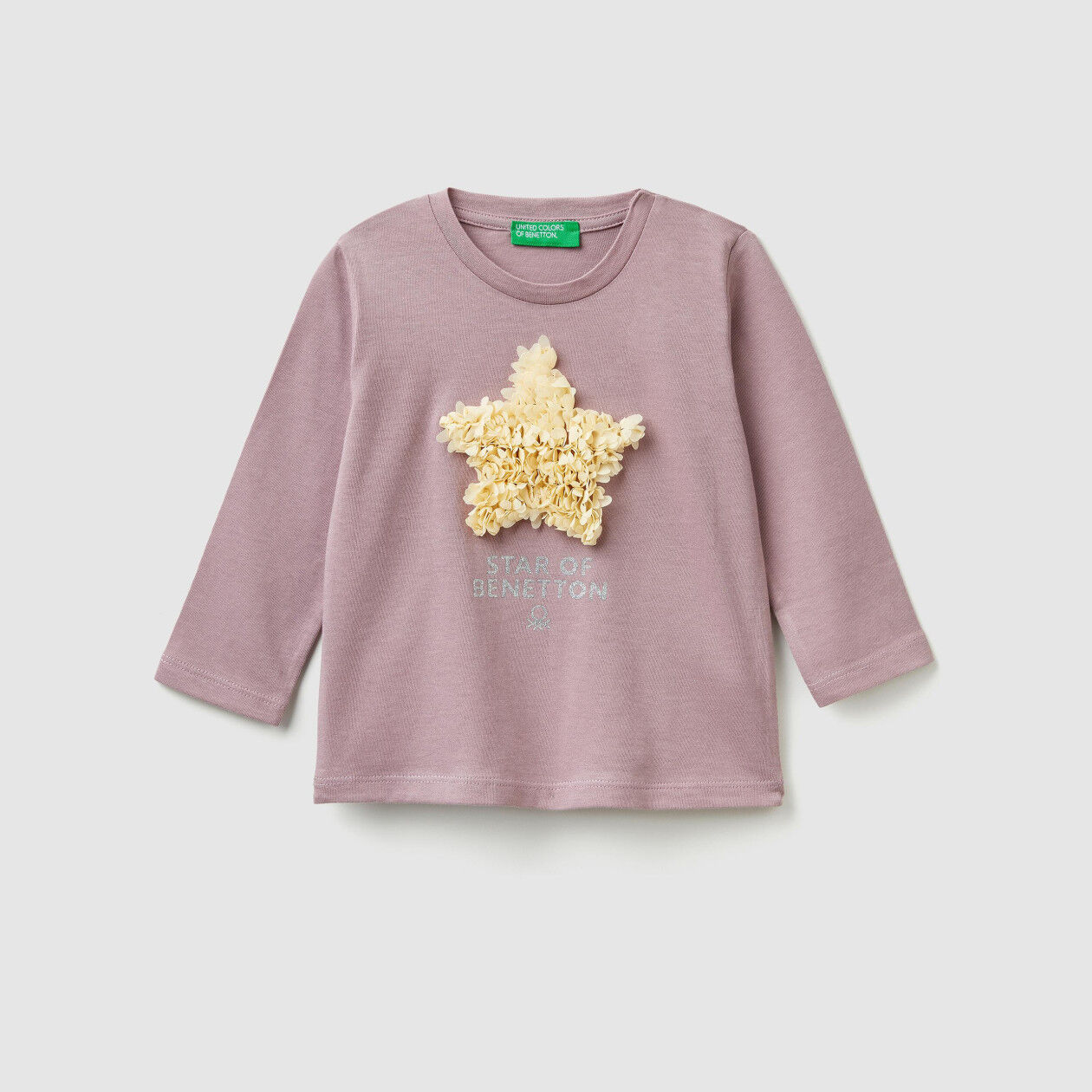 T-shirt with print and petals