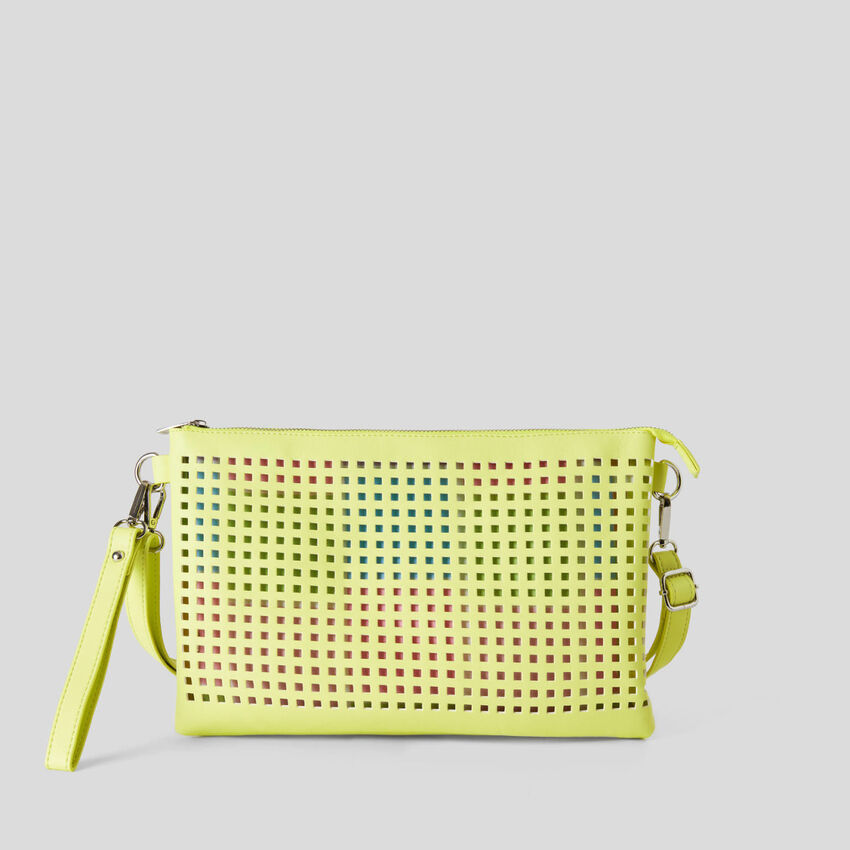 Tasche mit Lochmuster und herausnehmbarer, kleinerer Tasche