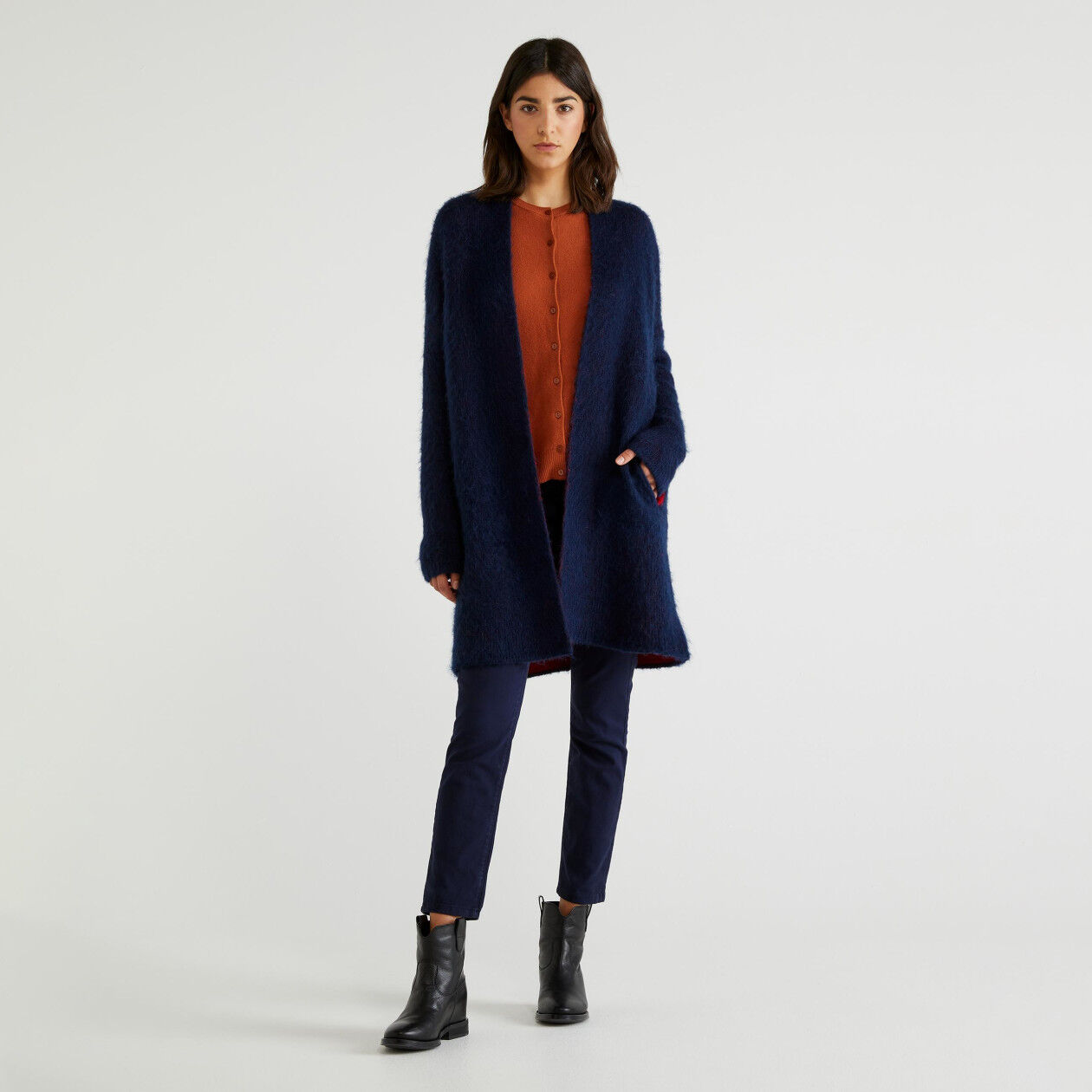 Coat in two-tone knit