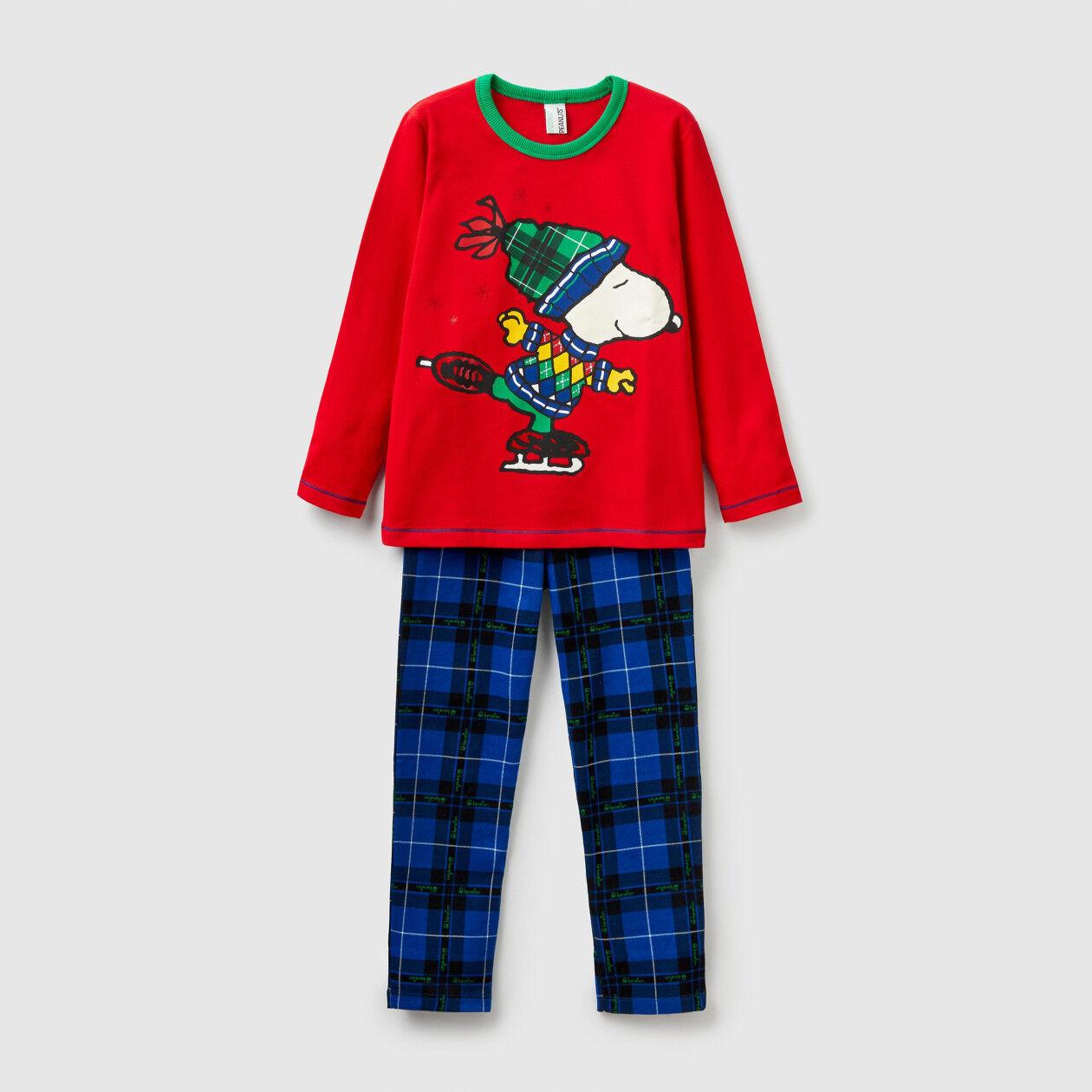 """Pajamas with """"Snoopy"""" print"""