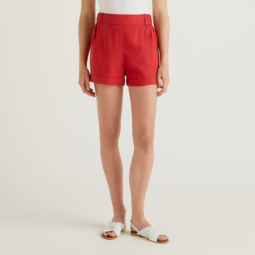 Solid color shorts with cuff