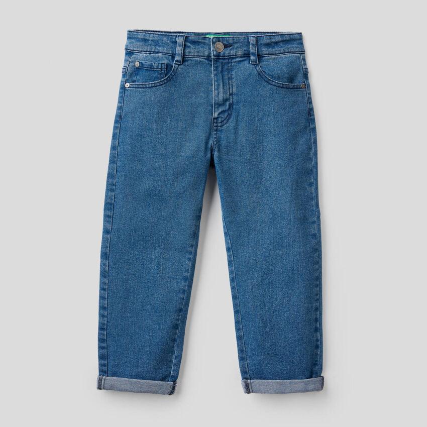 Jeans carrot en denim stretch