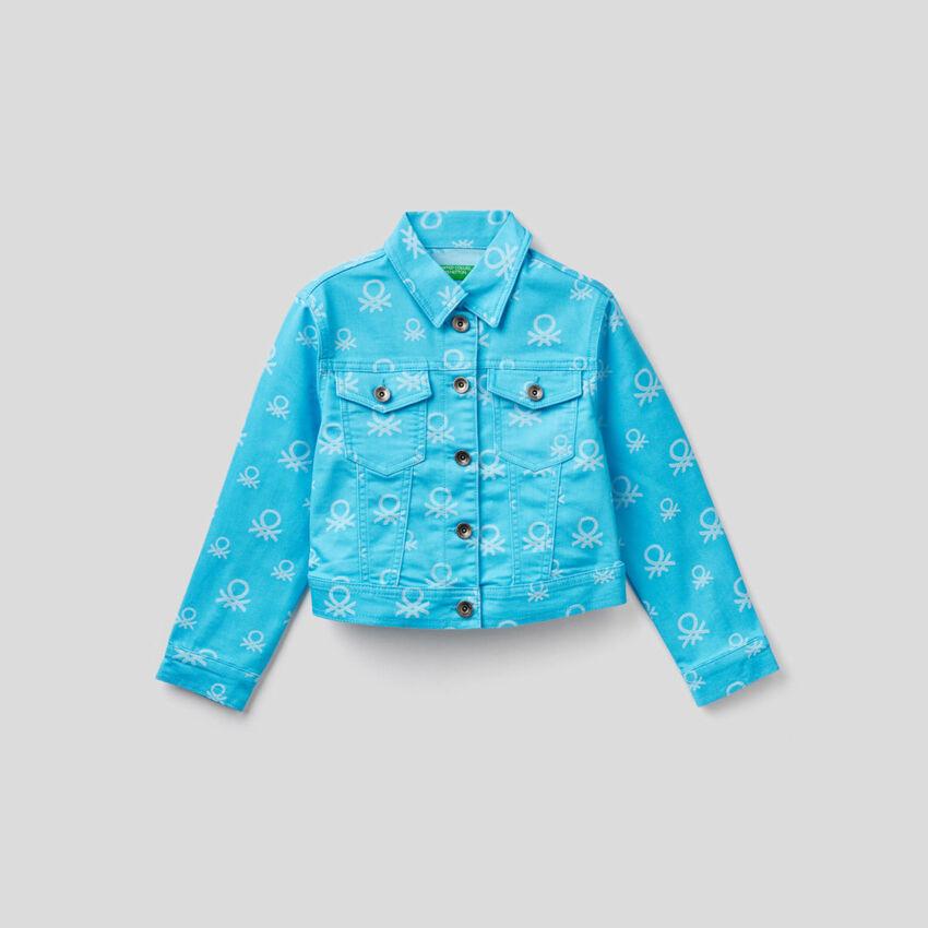 Cropped patterned logo jacket
