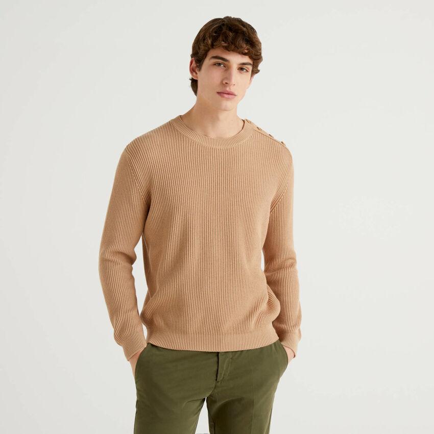 Pullover mit Knöpfen an der Schulter