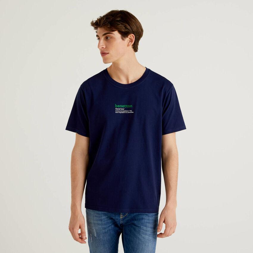Dark blue 100% cotton t-shirt with print