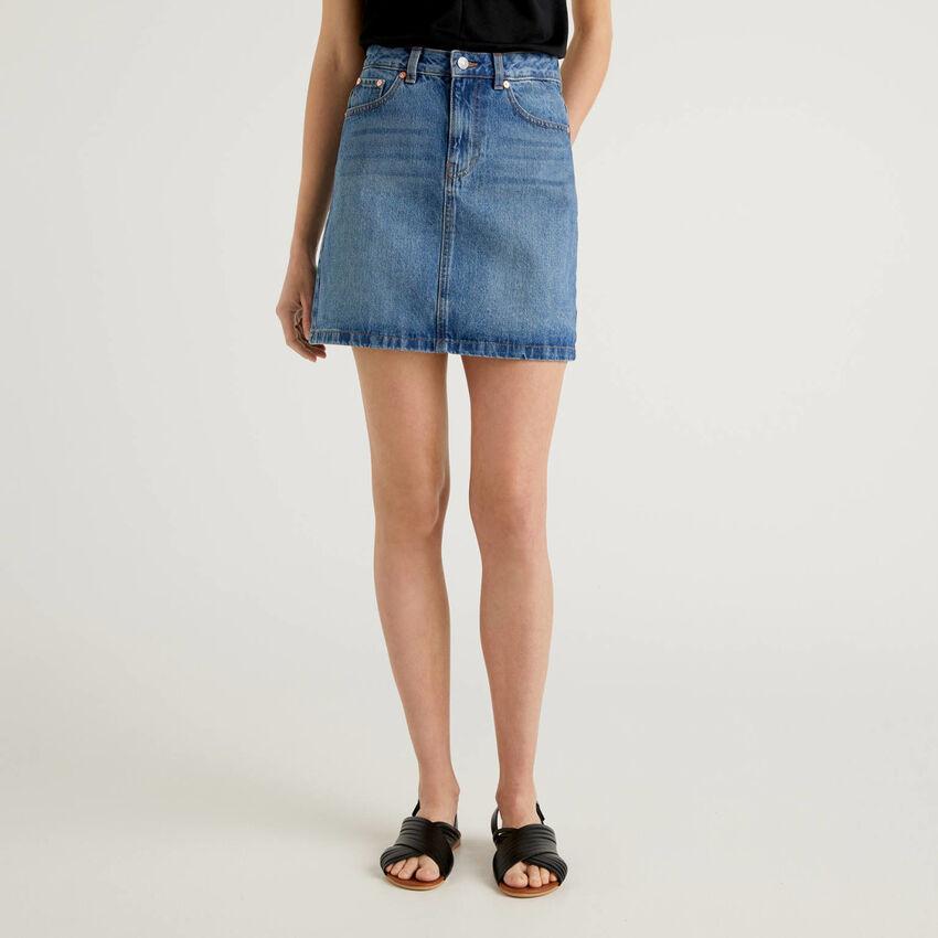 Mini-jupe en jeans 100% coton
