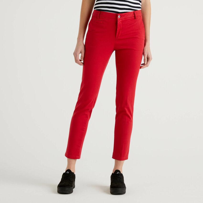 Slim-Fit-Chinos aus roter Baumwolle