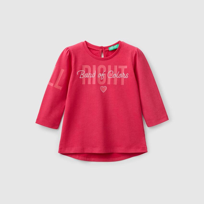 T-Shirt mit Schriftzug und Glitter