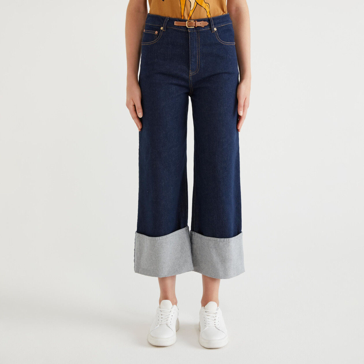 Denim trousers with cuff