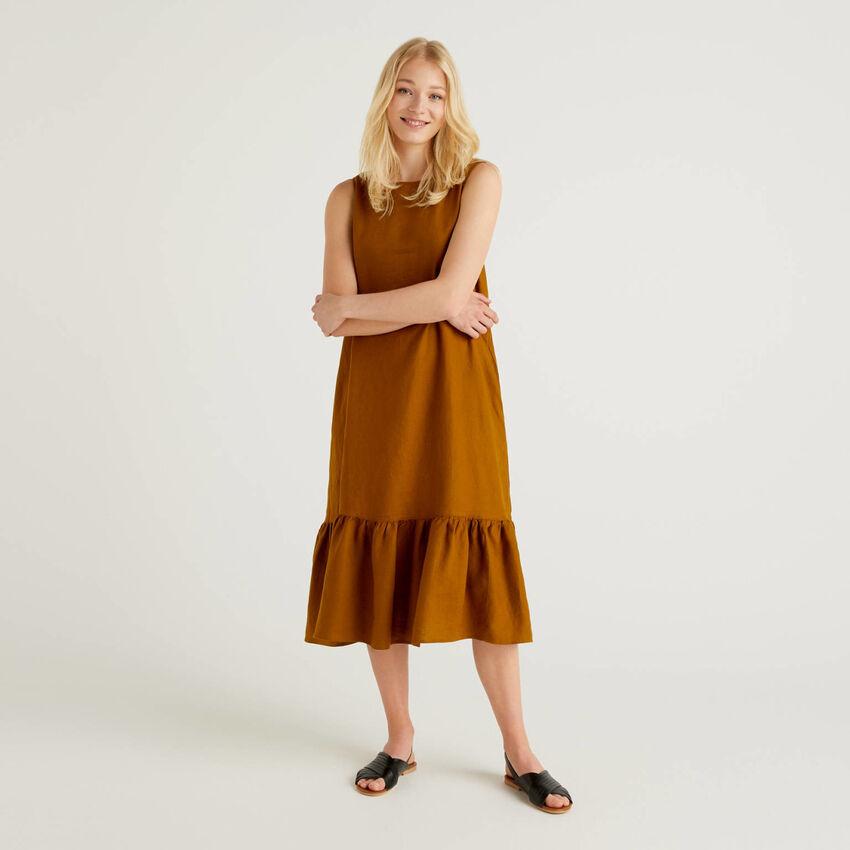 Midi-Kleid aus reinem Leinen mit Rüsche