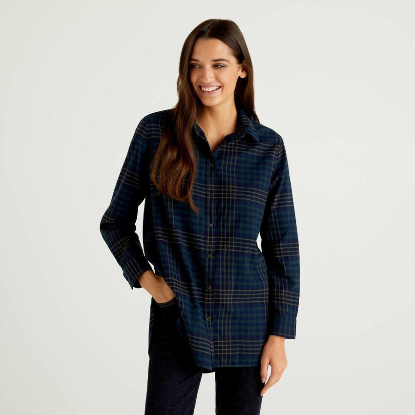 Chemise longue à carreaux en 100% coton