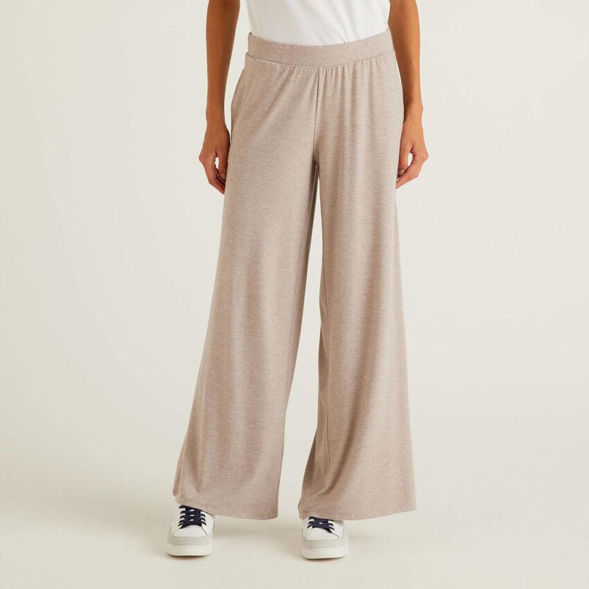 Pantalon fluide avec coupe ample