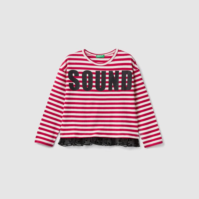 T-Shirt mit Streifen und Rüsche aus Tüll