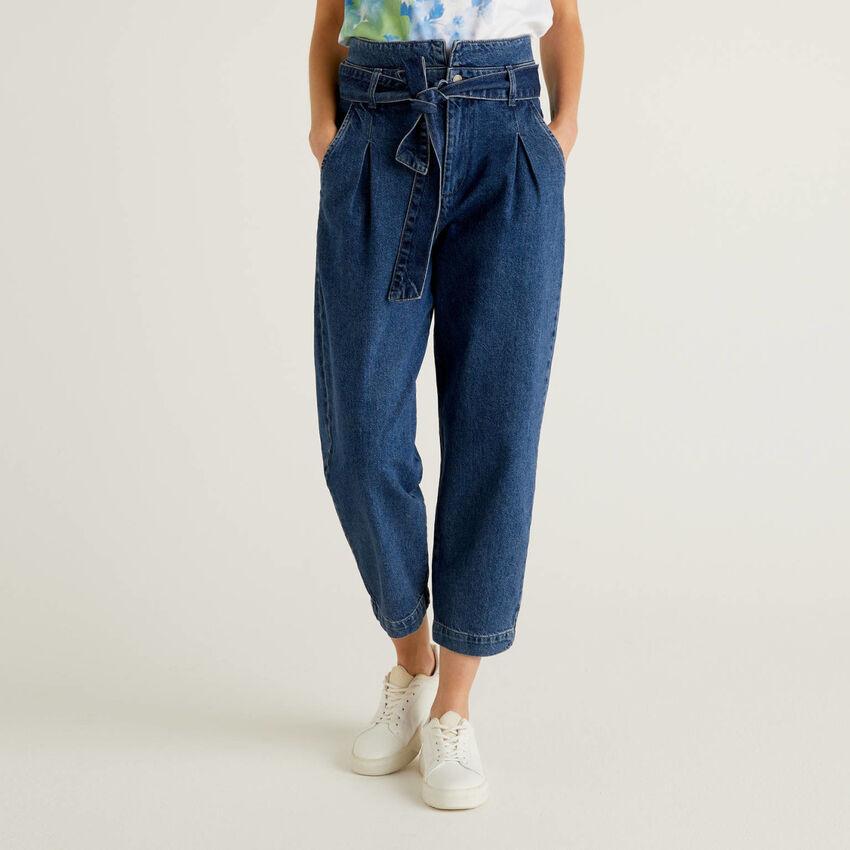Paperbag-Jeans aus 100% Baumwolle