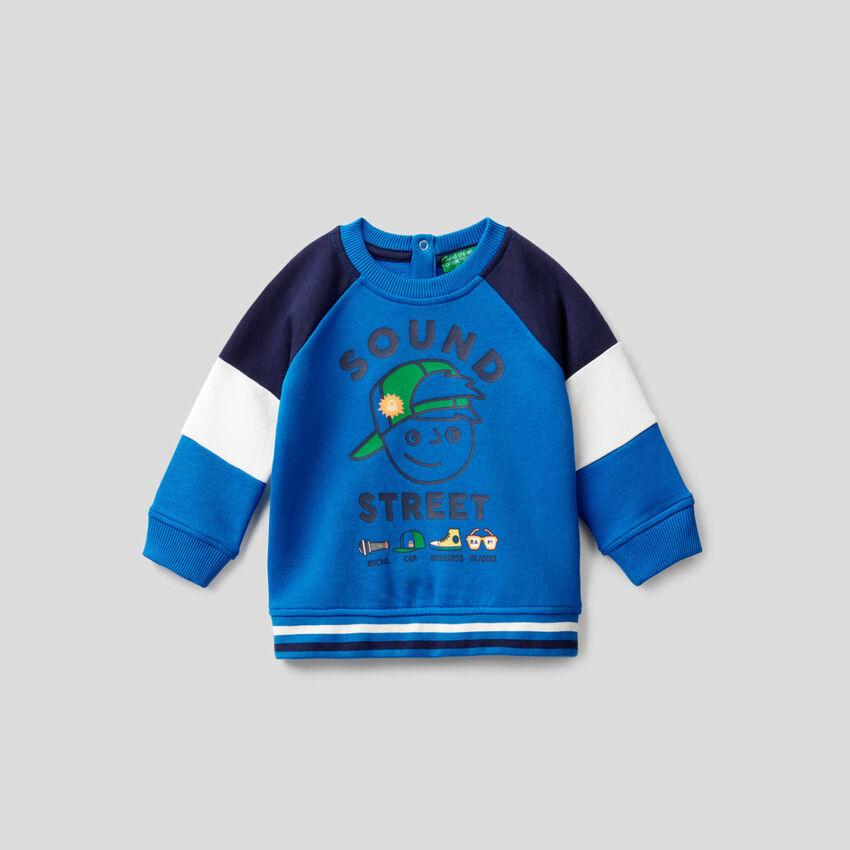 Sweatshirt in Bluette mit Ärmeln mit Farbblöcken