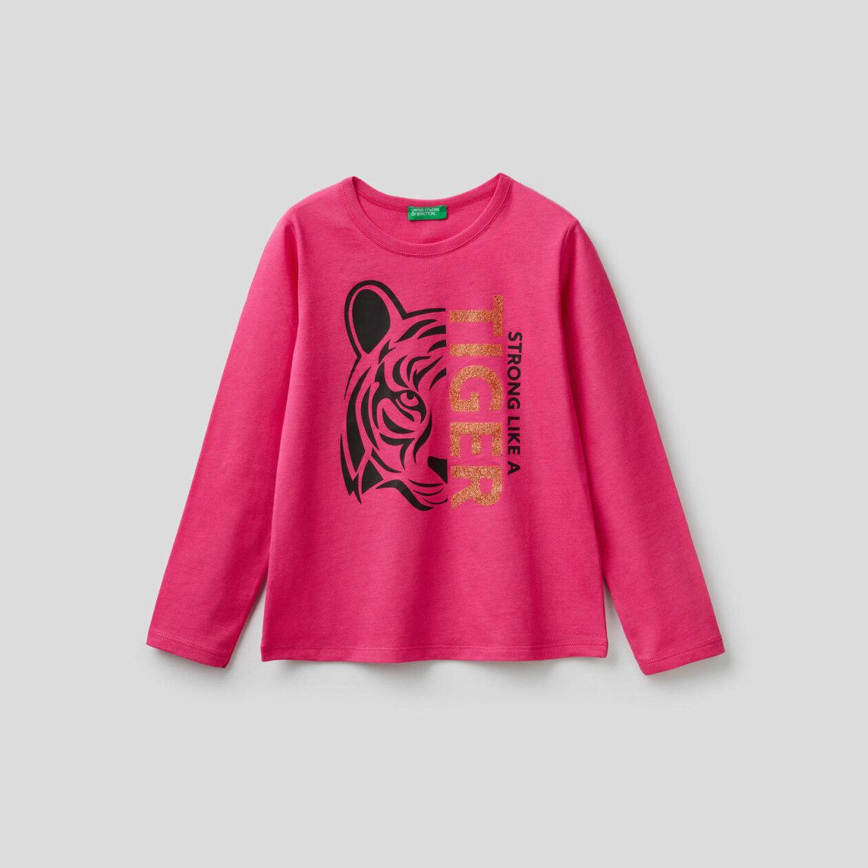 T-Shirt aus 100% Baumwolle mit bedruckten Ärmeln