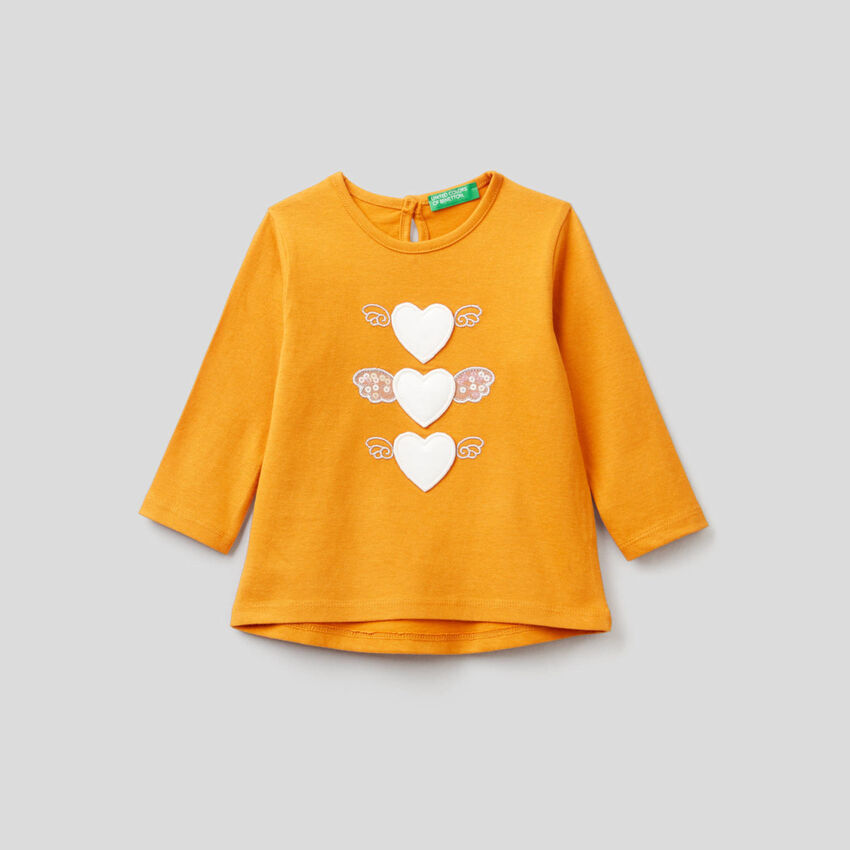 T-shirt en coton bio avec applications