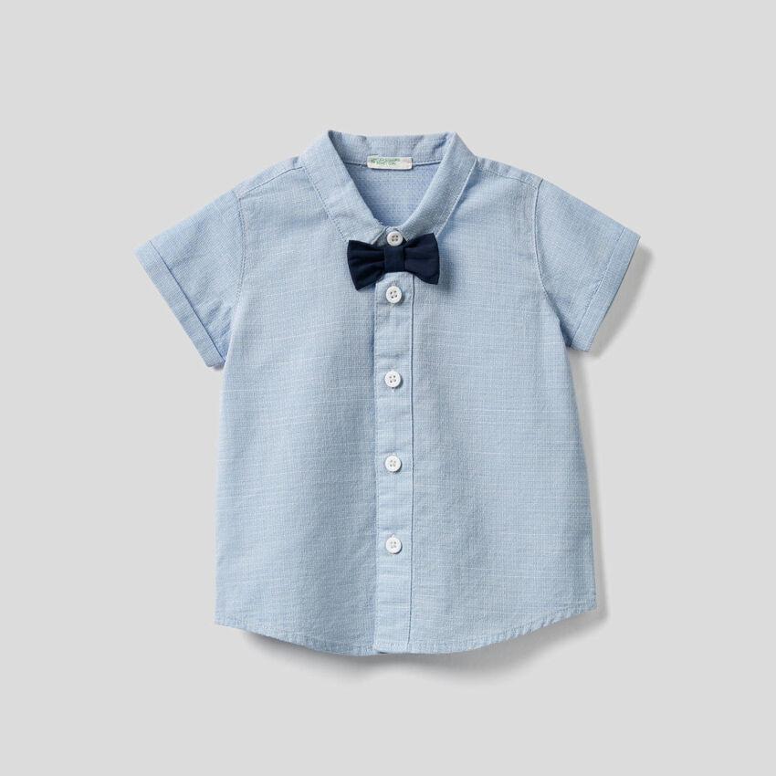 Hemd aus reiner Baumwolle mit Fliege