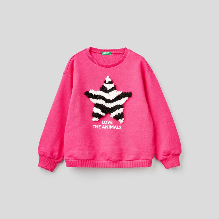 Sweatshirt aus 100% Baumwolle mit Applikation