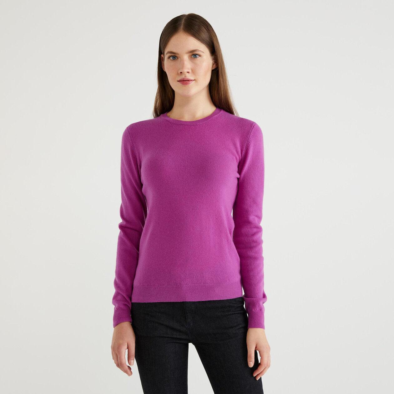 Pullover aus 100% Schurwolle mit Rundhals