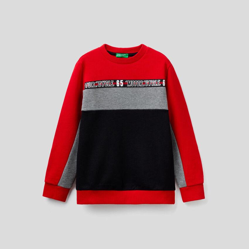Sweatshirt mit Farbblöcken in 100% Baumwolle
