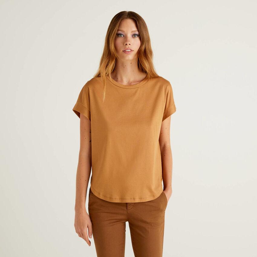 T-Shirt aus 100% Baumwolle mit Kimonoärmeln