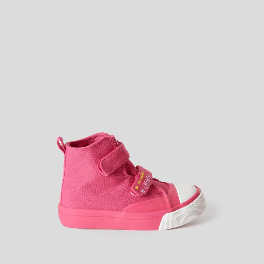 Hohe Sneakers mit Klettverschluss