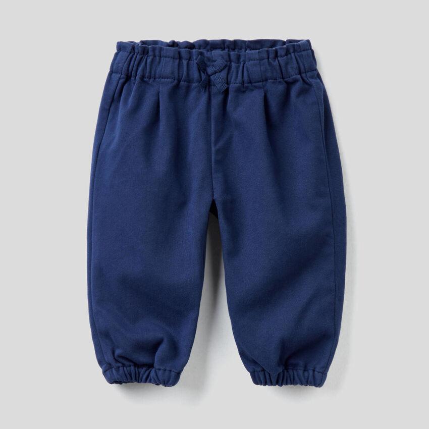 Pantalon en coton mélangé avec noeud