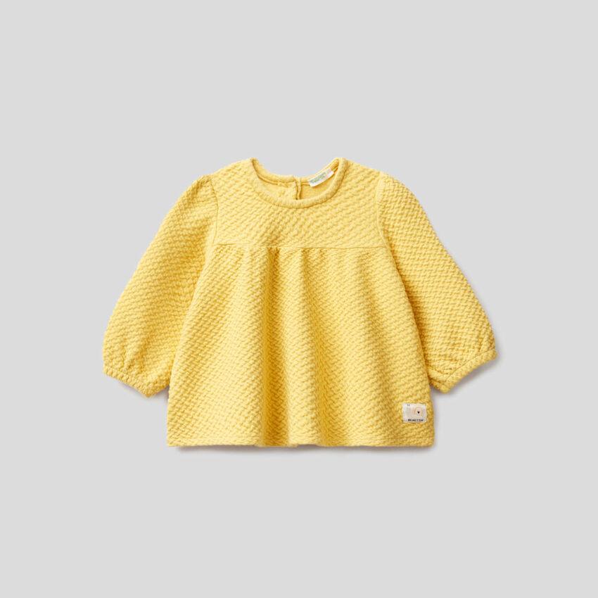Sweatshirt aus stretchiger Bio-Baumwolle mit besonderer Verarbeitung