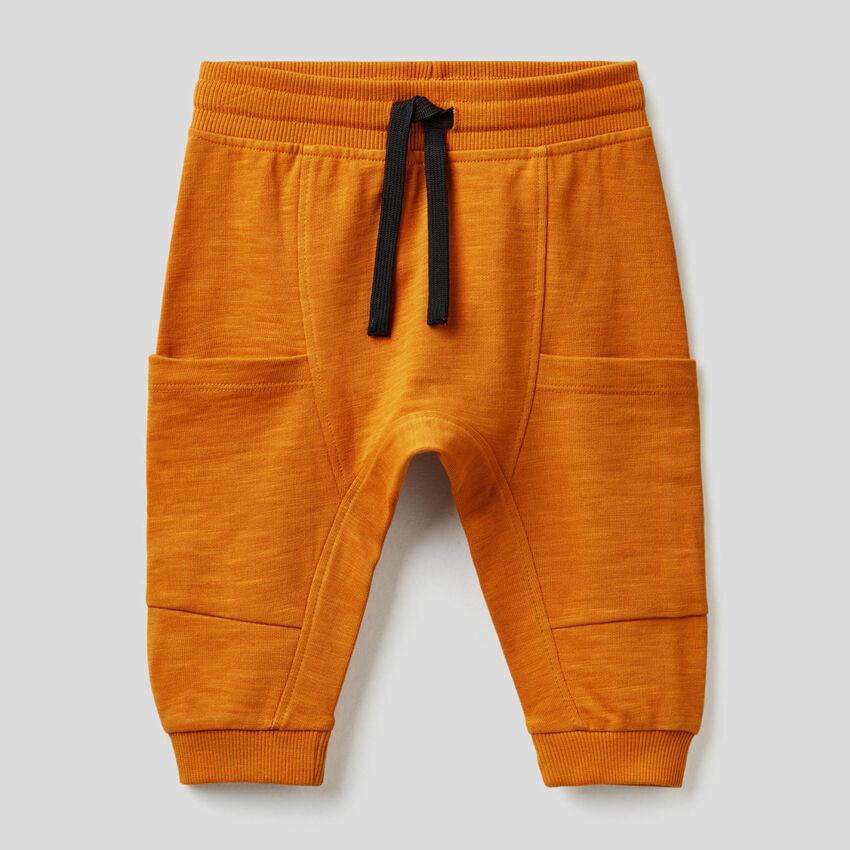 Pantalon en molleton avec grandes poches