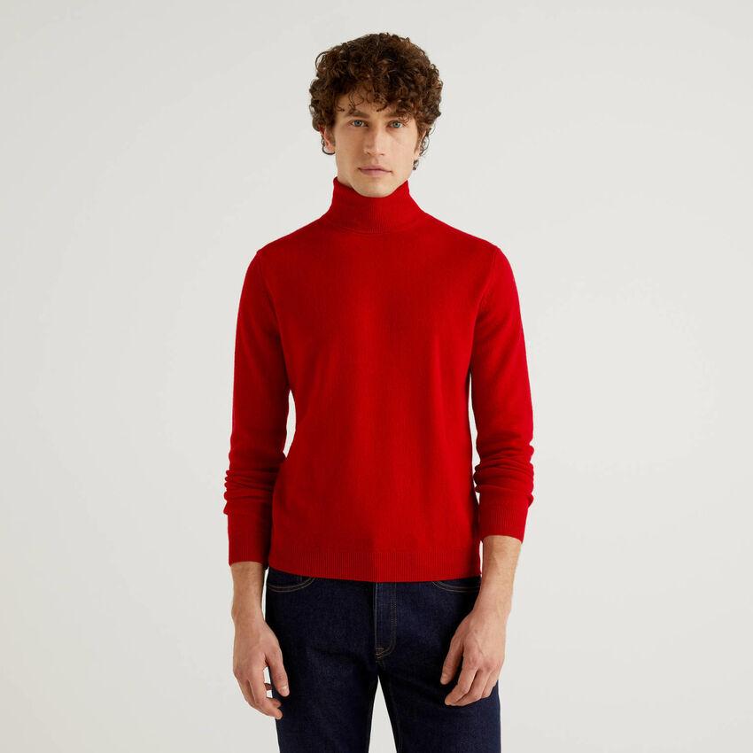 Pull col roulé rouge en pure laine vierge