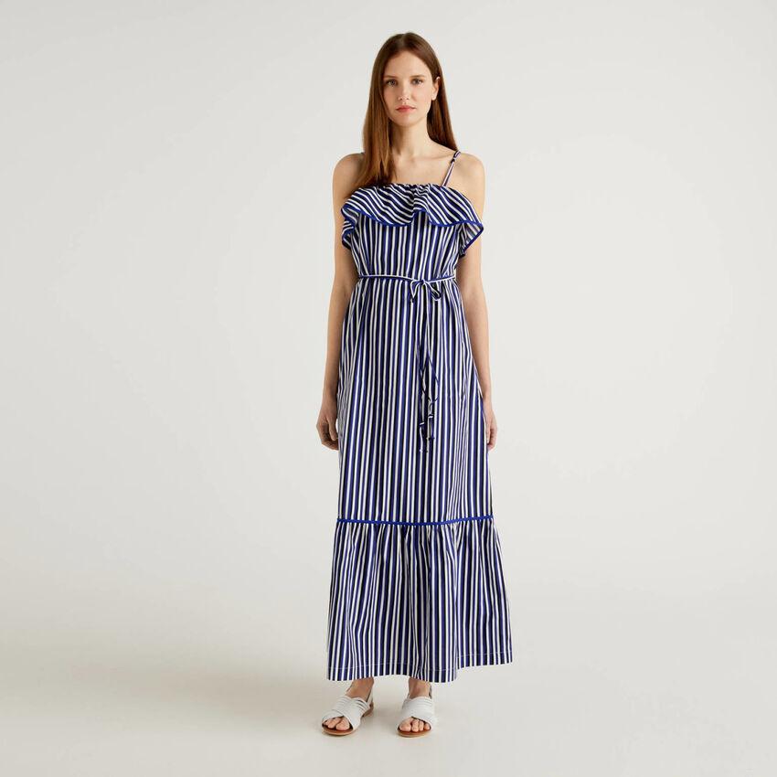 Gestreiftes Maxi-Kleid mit Volants