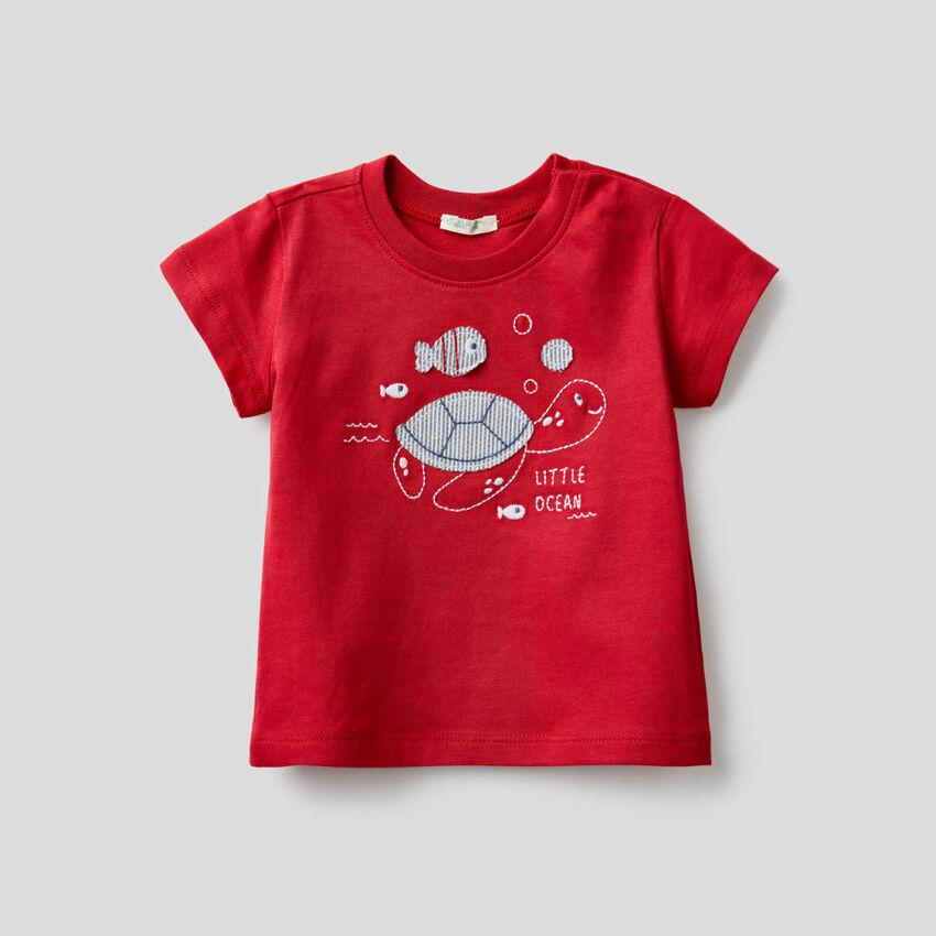 T-shirt en coton bio avec broderie